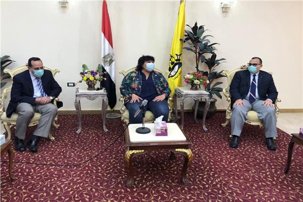 وزيرة الثقافة تلتقى محافظ شمال سيناء بالعريش