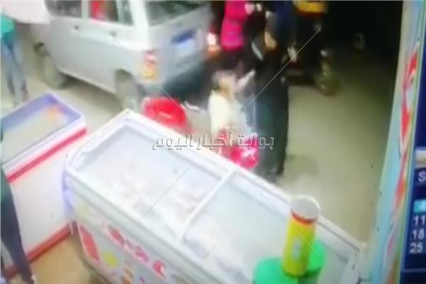 موقع حادث طفل يدهس رجل وزوجته