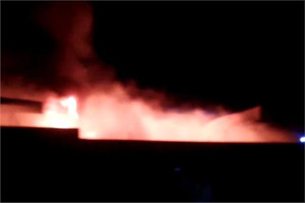 حريق في مصنع للمفروشات