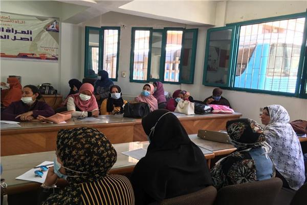 قومي المرأة بسوهاج ينظم حملة توعية بخطورة «الزيوت المهدرجة»