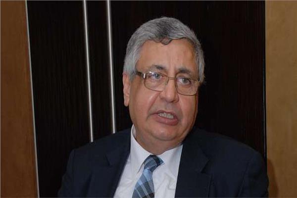 الدكتور محمد عوض تاج الدين  مستشار رئيس الجمهورية للشئون الوقائية والصحية