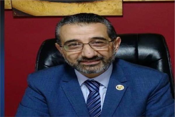 الدكتور عمرو السمدوني سكرتير شعبة خدمات النقل الدولي