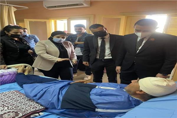 تنسيقية شباب الأحزاب تواصل الاطمئنان على مصابي حادث قطار طوخ
