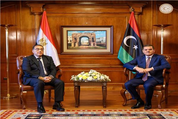 خلال لقاء رئيس الوزراء برئيس الحكومة الليبية