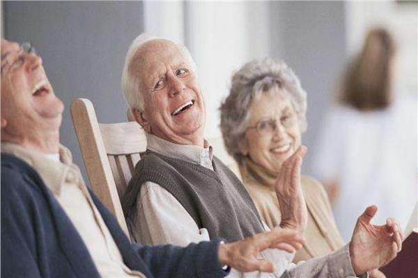 الإنسان على العيش أطول عمرًا