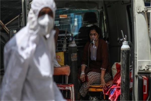 الهند تغرق.. أرقامًا قياسية جديدة في عدوى فيروس كورونا
