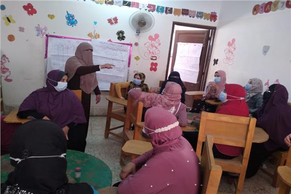 قومي المرأة باسيوط ينفذ دورة تدريبية في مجال المشروعات الصغيرة لسيدات القرى