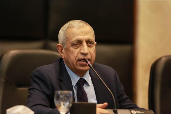 د. إسماعيل عبد الغفار