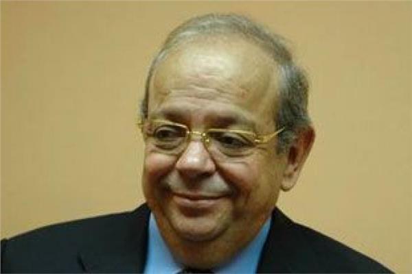 الدكتور محمود باجنيد