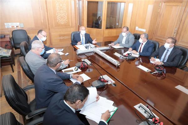 اجتماع وزير النقل مع رئيس ونواب السكة الحديد