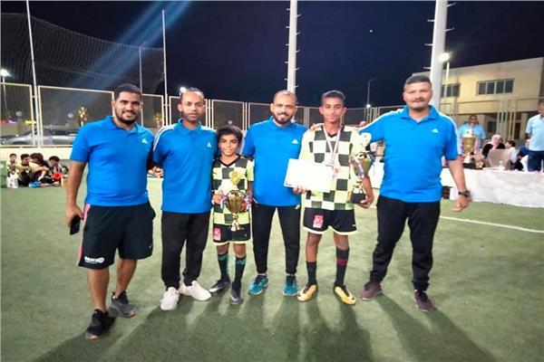 رئيس منطقة البحر الأحمر لكرة القدم يشهد ختام دورة رمضانية بالغردقة