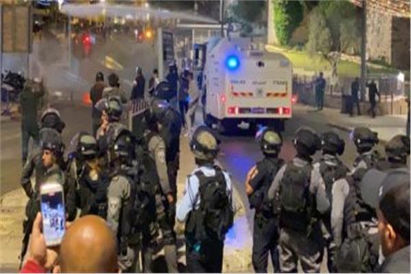 الشرطة الإسرائيلية تمنع الطواقم الطبية من إسعاف المصابين بالقدس