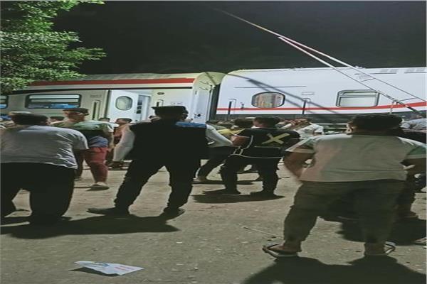 خروج قطار عن القضبان بالعياط