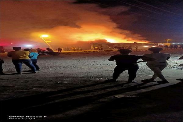 السيطرة على حريق نشب داخل مقلب قمامة خلف إدارة المرور بدمنهور دون خسائر بشرية