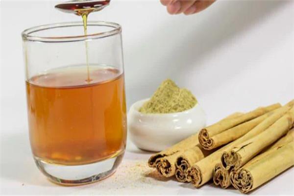 العسل والقرفة مكونان فعالان لتخسيس الوزن وحرق الدهون