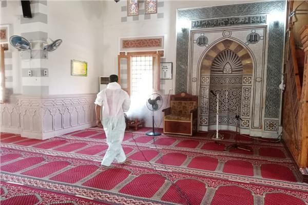 الانتهاء من تعقيم المساجد الكبرى بالمحافظات استعدادً لصلاة العيد