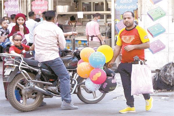 الأطفال والشباب نشروا فرحة العيد بالشوارع بالدراجات النارية