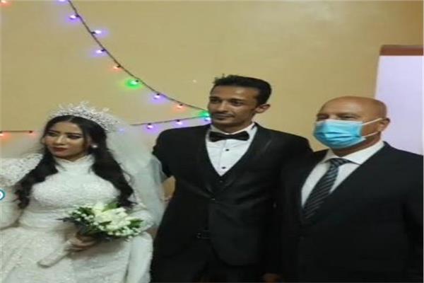 وزير النقل يحضر حفل زفاف إبنة قائد قطار أسوان
