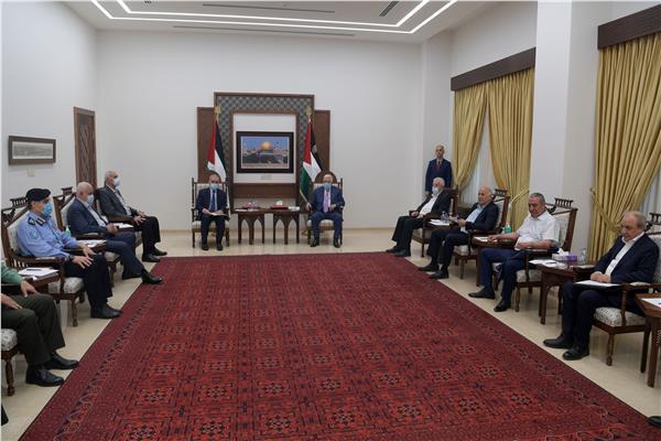 اجتماعا طارئ للرئيس الفلسطيني