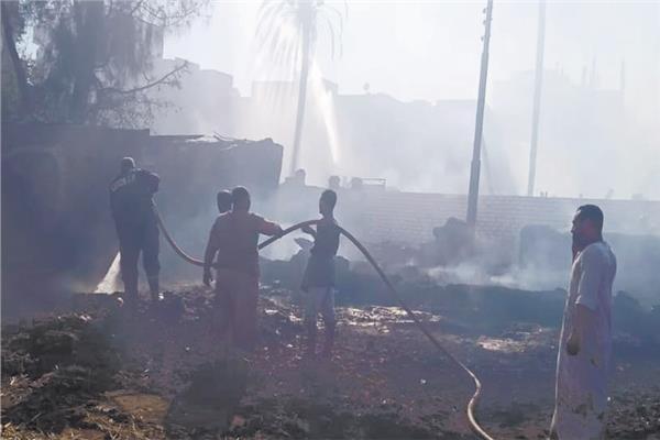 قوات الإطفاء خلال إخماد حريق الأقصر