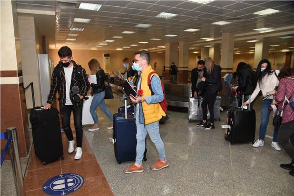 مطار مطروح يستقبل أولى رحلات الطيران الشارتر