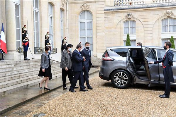 الرئيس السيسي ونظيره الفرنسي إيمانويل ماكرون