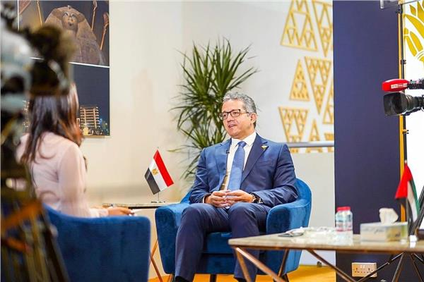 وزير السياحة والآثار يختتم زيارته لدولة الإمارات العربية