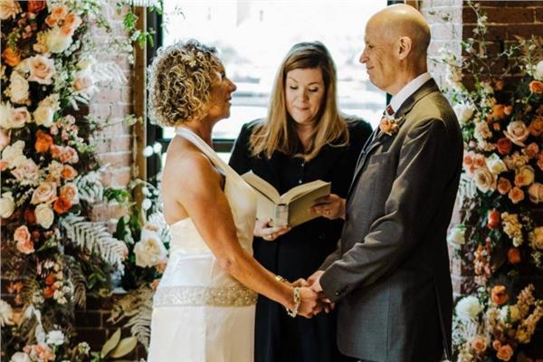 صورة للزوجان من حفل الزفاف