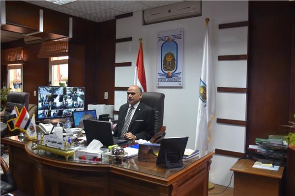 الدكتور محمد محجوب عزوز، رئيس جامعة الأقصر
