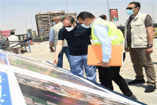 الرئيس السيسي يتفقد مشروعات الطرق - أرشيفية
