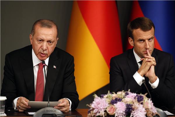 ماكرون: أردوغان أكد رغبته في سحب المرتزقة من ليبيا