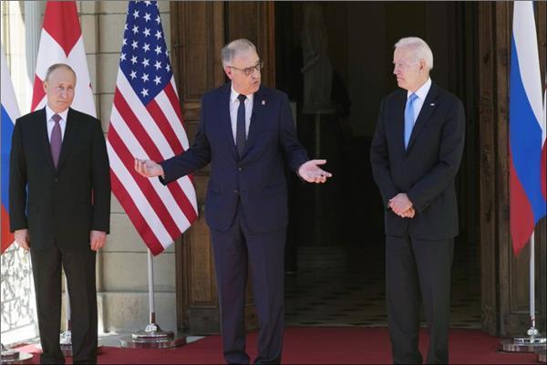 رئيس سويسرا يتوسط بايدن وبوتين