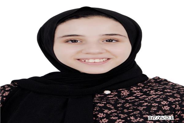 فاطمة هشام ناجي فهمي أول الشهادة الإعدادية ببني سويف