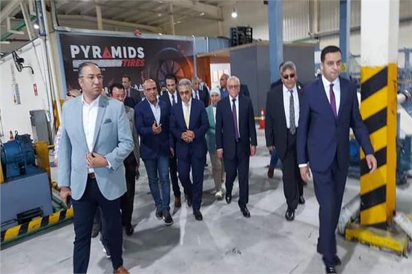 «محلية النواب» تتفقد أكبر مصنع لإطارات السيارات بالشرق الأوسط في بورسعيد