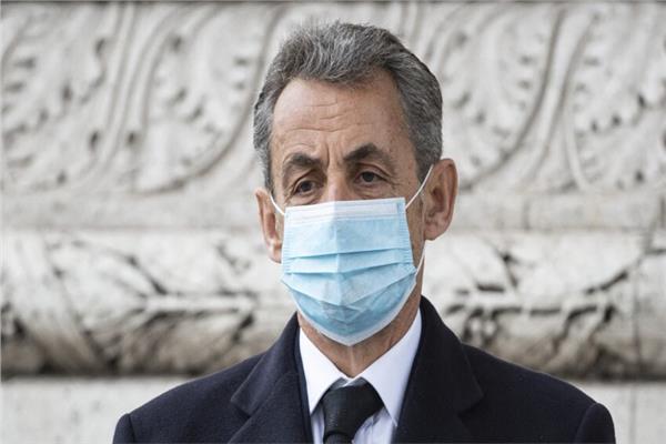 المدعي العام الفرنسي يطالب بسجن ساركوزي 6 أشهر
