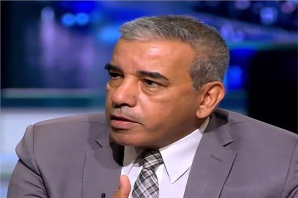 الدكتور عباس شراقي، أستاذ الجيولوجيا والموارد المائية