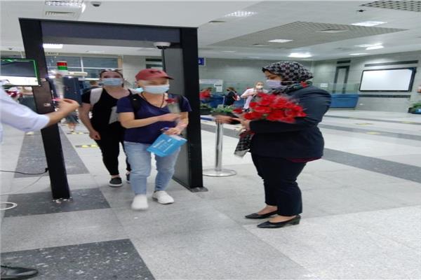 أولى الرحلات الجوية لشركة مصر للطيران قادمة من براغ