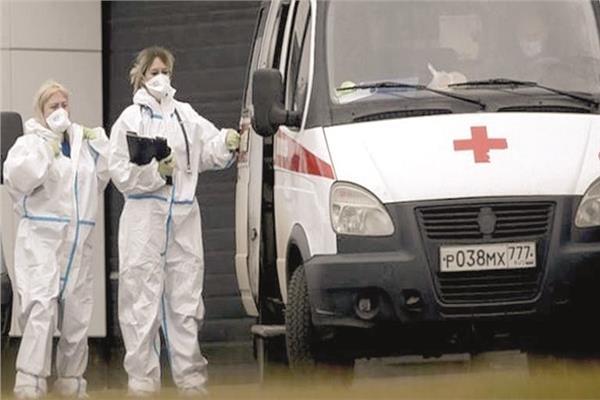 سيارة إسعاف لنقل مصابى كورونا فى روسيا