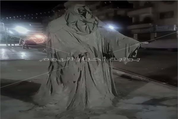 إزالة تمثال الرعب من أحد شوارع الإسماعيلية