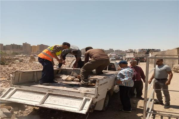 محافظ أسيوط: حملة مكبرة لإزالة اشغالات الباعة الجائلين بشوارع وميادين حي غرب