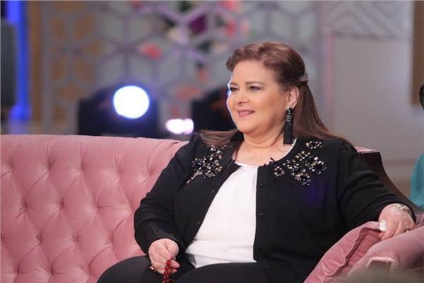 الفنانة دلال عبد العزيز