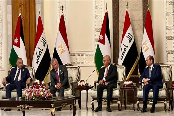 الرئيس السيسي يشارك في اجتماع رباعي بالعراق