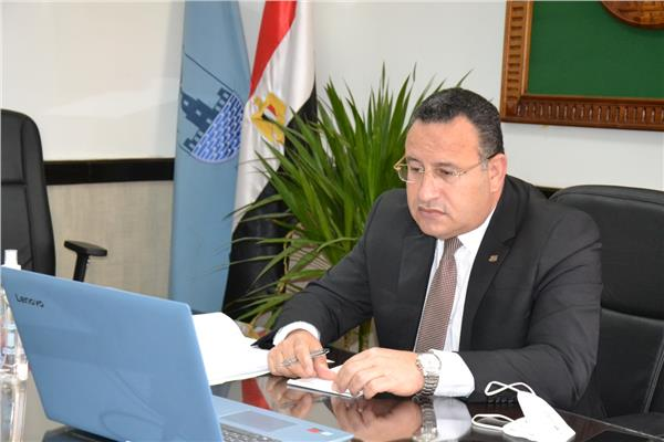 الدكتور عبد العزيز قنصوه، رئيس جامعة الإسكندرية