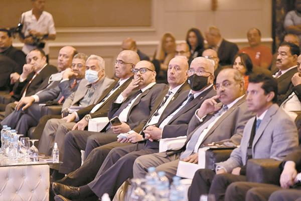 د. أشرف صبحى وهشام حطب ومسئولى الاتحادات والأندية فى مؤتمر تقديم بعثة مصر فى طوكيو