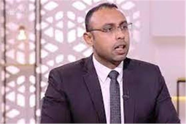 الدكتور علي الإدريسي الخبير الاقتصادى
