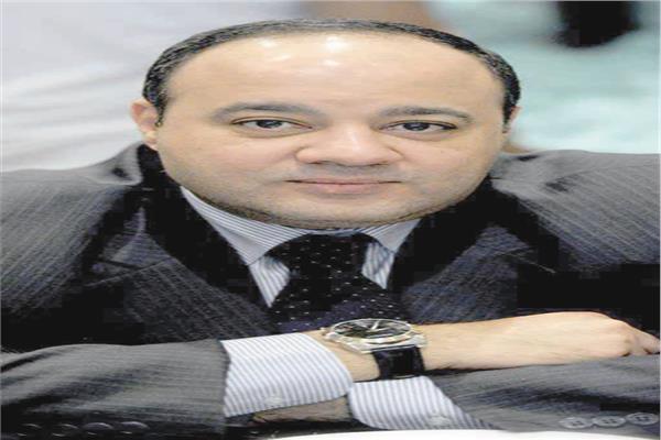 الكاتب الصحفى أحمد جلال