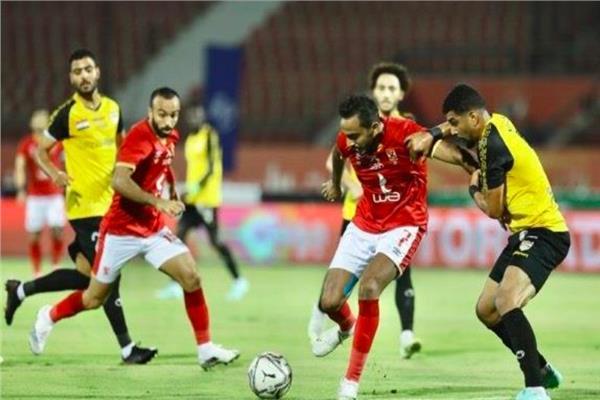 صورة من مباراة الأهلي والإنتاج الحربي