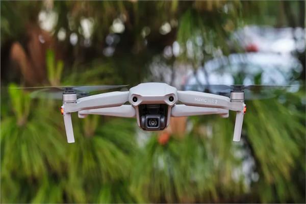 الطائرات بدون طيار «DJI»