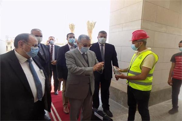 وزير الكهرباء بمقر الوزارة بالعاصمة الادارية الجديدة