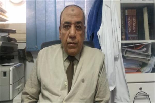 محمد أحمد رئيس قسم الفيروسات